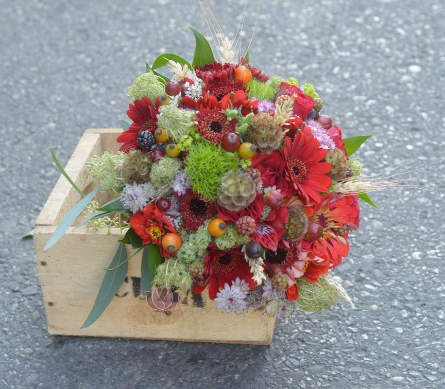 Buchet Mireasa Cu Flori De Camp Flowers Garden