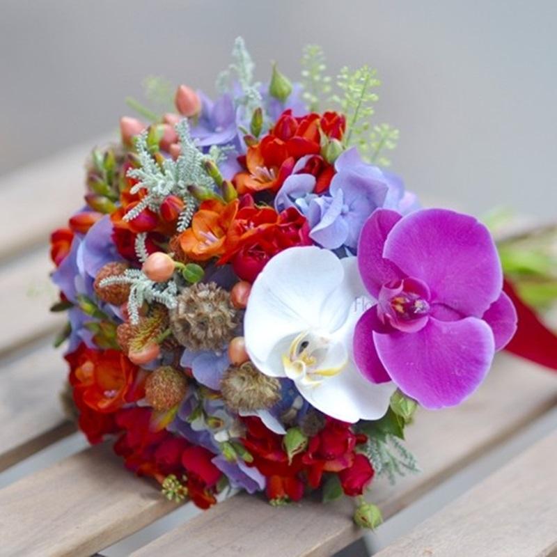 Buchet Mireasanasa Cu Hortensii Mov Si Frezii Orange Flowers Garden