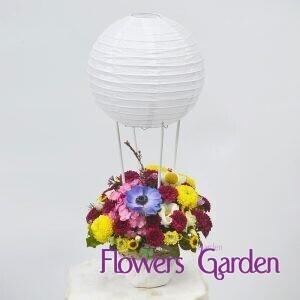Aranjament floral botez Balon cu aer cald